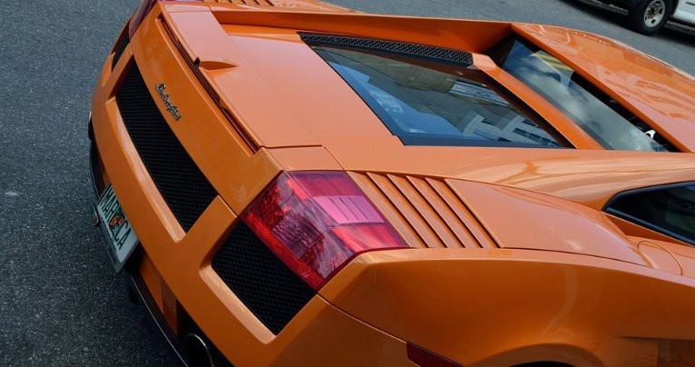 Владельцев иностранных машин в России могут лишить прав