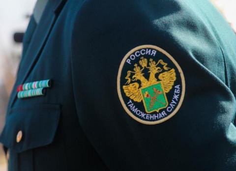 Таможенников-коррупционеров поймали в Приморье