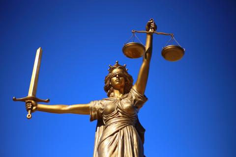 Верховный суд РФ предложил не сажать в тюрьму бедных