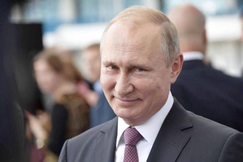 Путин назвал дату своей прививки от COVID