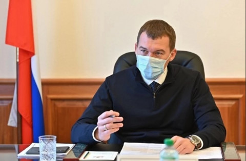 Красный губернатор пообещал выгнать «голубую команду» из Хабаровского края