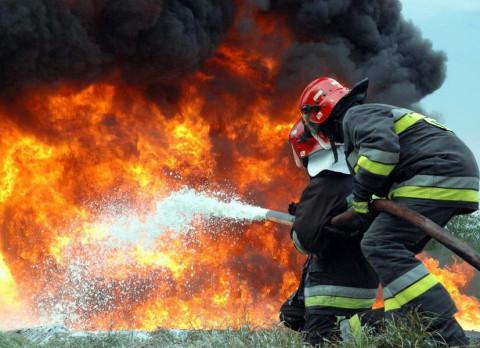 Более 20 цистерн с газом могли взорваться на пожаре в Приморье