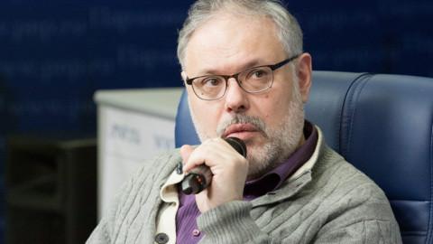 Хазин заявил о желании либералов свалить «кровавый» режим Путина