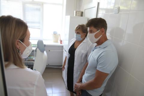 Олег Кожемяко обсудил проблемы здравоохранения с медиками Арсеньева