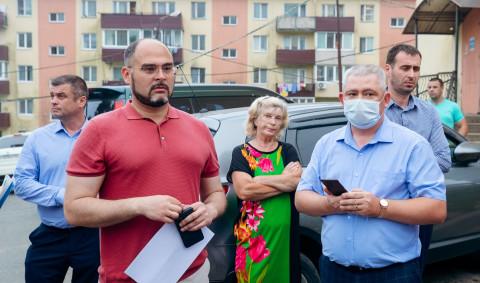 Проблемы жителей Париса решает администрация Владивостока