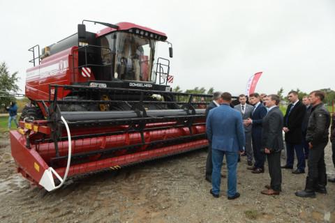 Губернатор Приморья принял участие в открытии выставки «День поля»