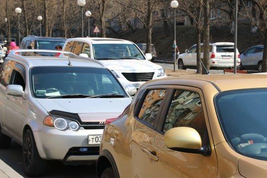 Утро водителей Владивостока началось с пробок