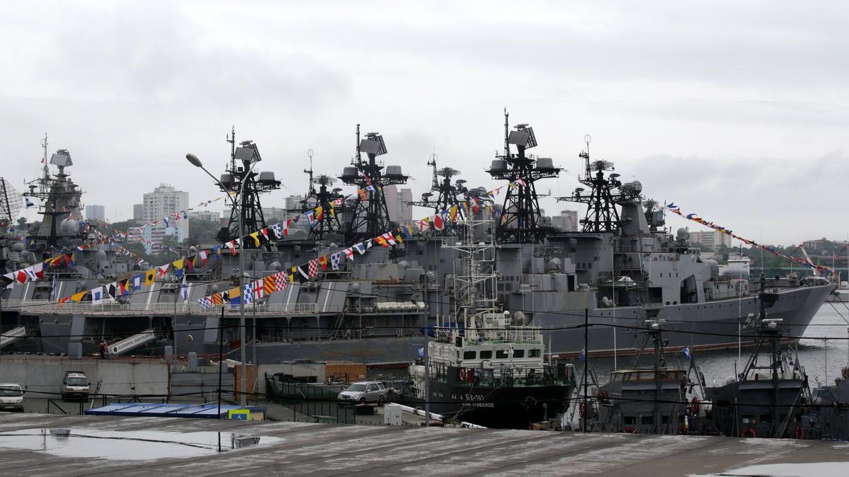 Колокольный звон, гул кораблей и сигнал автобусов: Приморье присоединилось к акции «Весть Победы»
