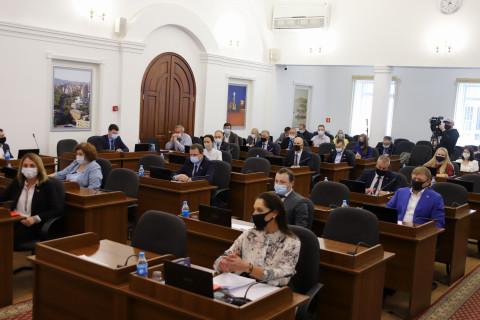 Дума города Владивостока утвердила корректировку городского бюджета