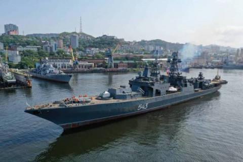 Смотреть онлайн: празднование Дня ВМФ сократили в Приморье