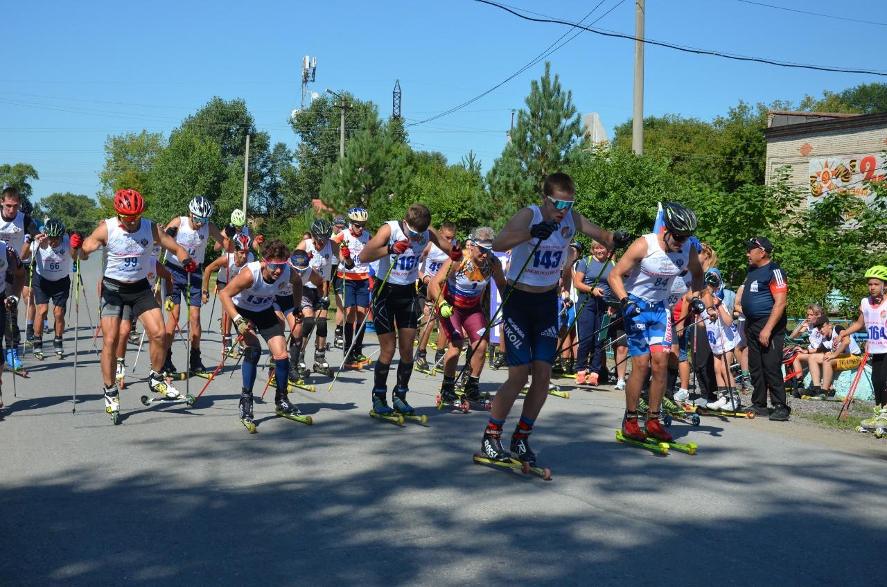 Более двухсот человек собрали лыжероллерные соревнования в Дмитриевке