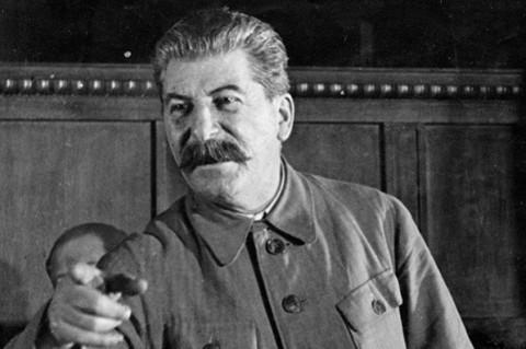 Петля времени: как рожденные при Путине будут голосовать за рожденных при Сталине