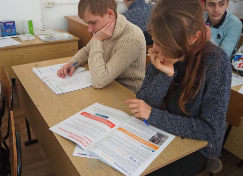 Учись на «отлично» – губернатор поставит лайк лично: новый флешмоб запустили в Приморье