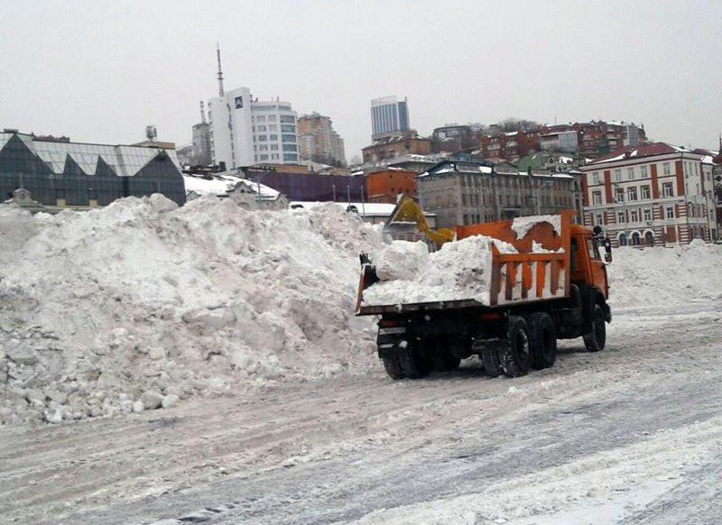 Больше половины владивостокцев недовольны уборкой снега