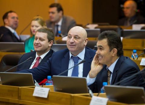 Приморским парламентариям рассказали об эффективности использования бюджета Приморья