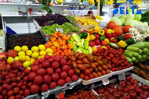 Китай помогает приморцам увидеть фрукты и овощи