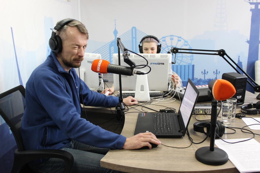 «Единая Россия» проводит радиомарафон на тему Конституции