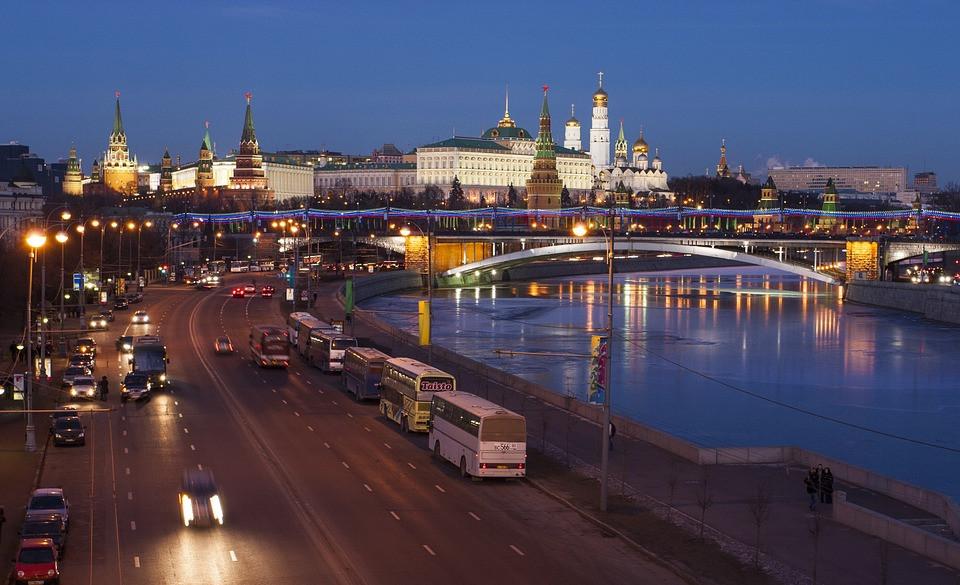 Эксперт: новая политика Кремля идет к социализму