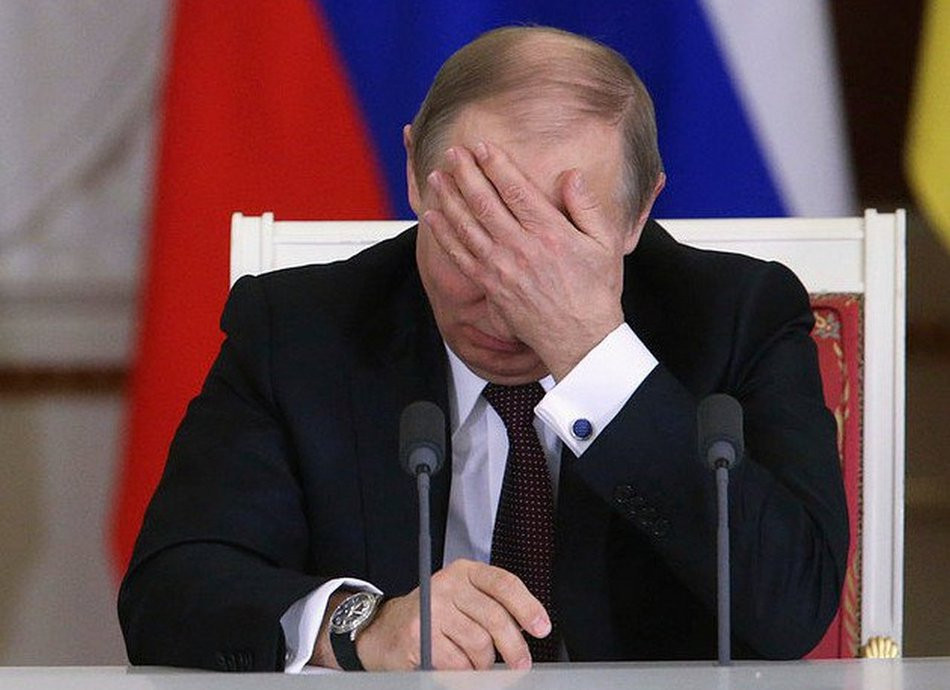 Нерожающие россияне расстроили Путина