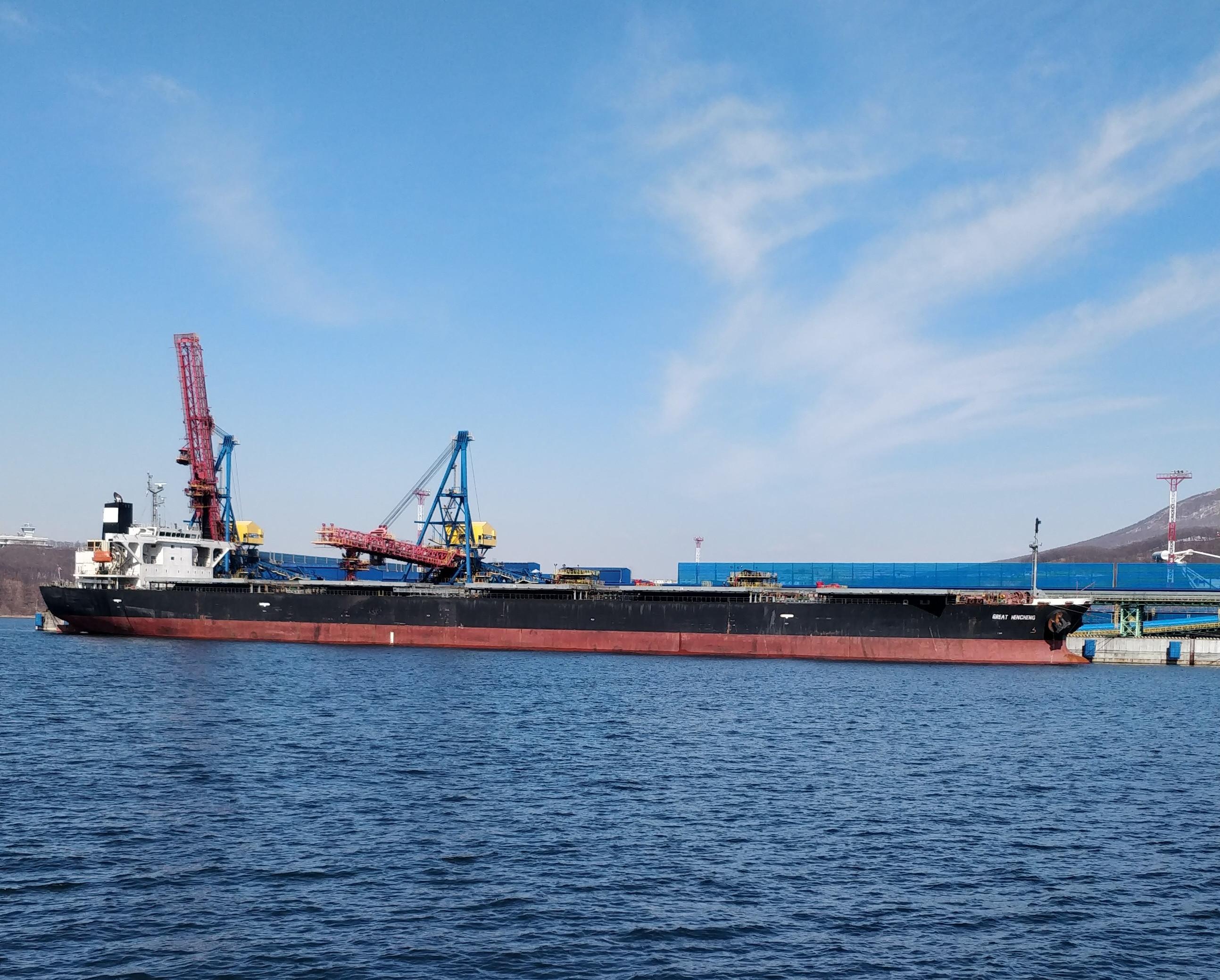 Российскую нефть хотят перевозить патриотично