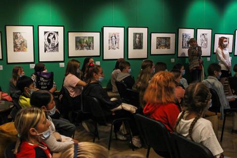 Дети участвуют в Днях Эрмитажа во Владивостоке: выставка «Античность – глазами детей»