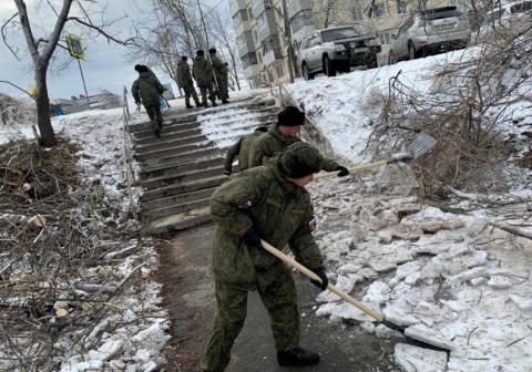 Владивосток продолжают приводить в порядок после стихии