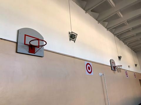 Школа №20 посёлка Врангель получила к юбилею отремонтированный спортзал