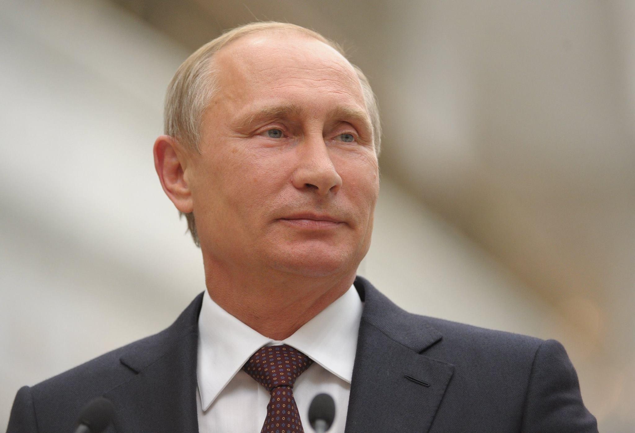 Путин занялся литературой в стране