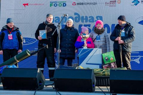 """""""Ты рыбачка, я - рыбак"""" - на фестивале в Приморье определили семью-победительницу"""