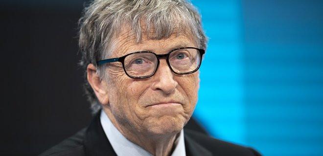 Билл Гейтс предупредил о рисках вакцинирования от COVID-19