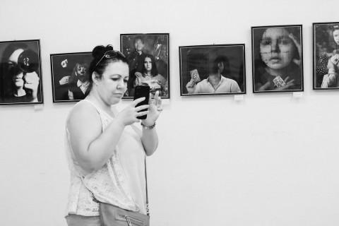 Чайки от фотографии: выставка выпускников открыта в Центре народной культуры