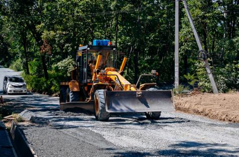 Масштабный ремонт дорог на Садгороде ведётся во Владивостоке