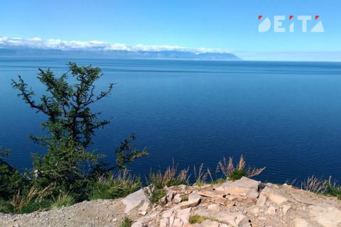 Берег озера Ханкаочистили от мусора