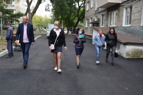 Приемка отремонтированных дворов проходит в Уссурийске