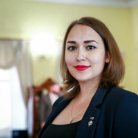 Грудь министра прикрыл глава региона
