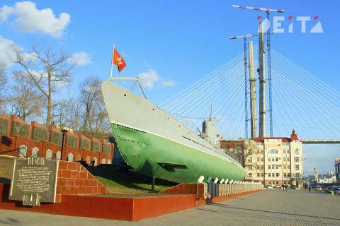Приморским юнармейцам провели экскурсию по подводной лодке