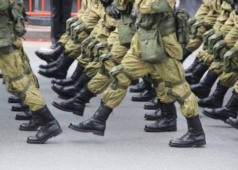 Путин поставит под ружье мужчин старше 18 лет