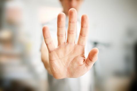Общаться с родственниками больных не желают в ковидном госпитале