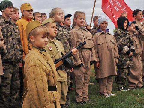 Военную реконструкцию провели приморские школьники