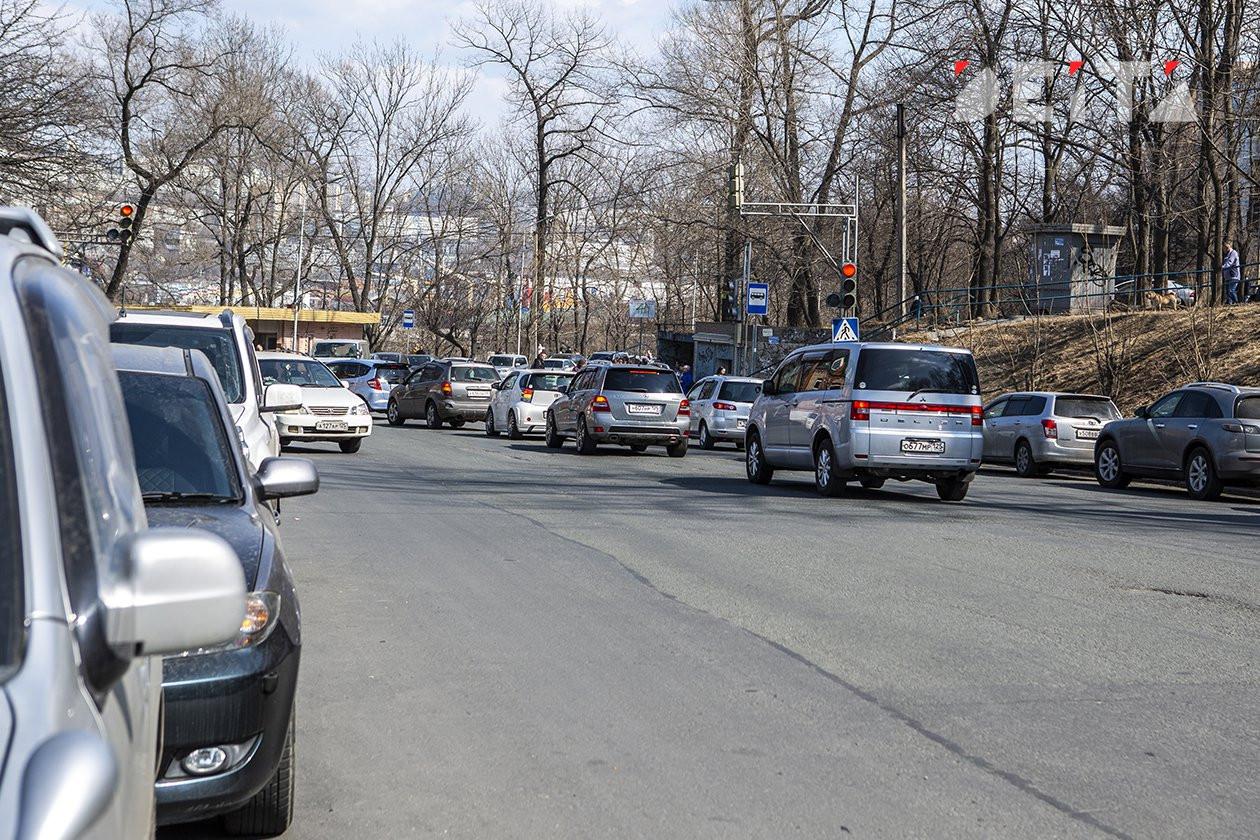 Воскресное утро началось во Владивостоке с заторов