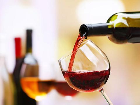 Роспотребнадзор прояснил тему запрета алкоголя на майские