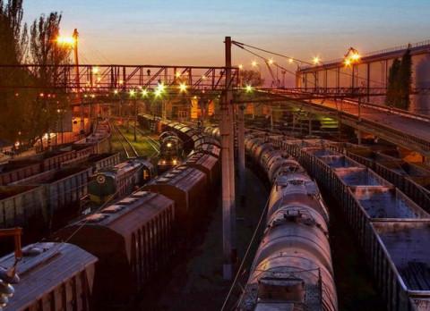Поезд сбил внедорожник в Приморье
