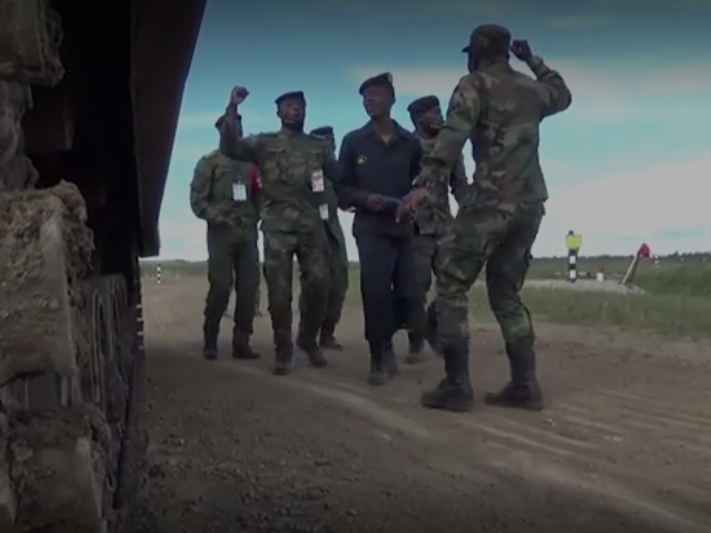 Африканские военные сплясали ритуальный танец на Дальнем Востоке