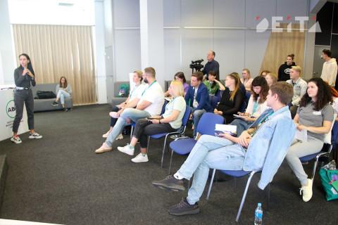 Волонтёры западной части России перенимают опыт Приморья