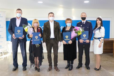 Лучшие работники АО «Восточный Порт» получили заслуженные награды