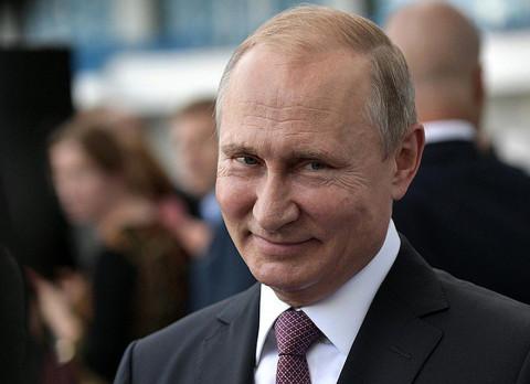 «Какой красивый!»: Путину понравился макет музея вооруженных сил в парке «Патриот»