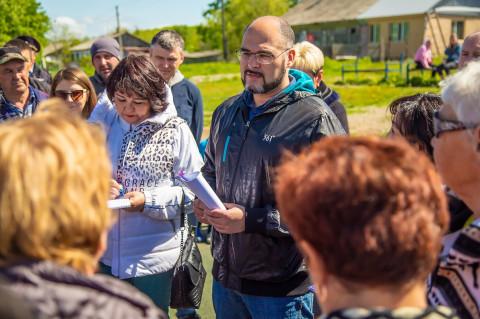 Константин Шестаков решает проблемы отдаленных территорий округа