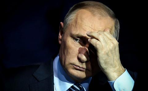 ВЦИОМ: у каждого десятого есть вопросы к Путину