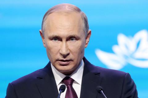 Путин подписал закон, ужесточающий правила покупки оружия