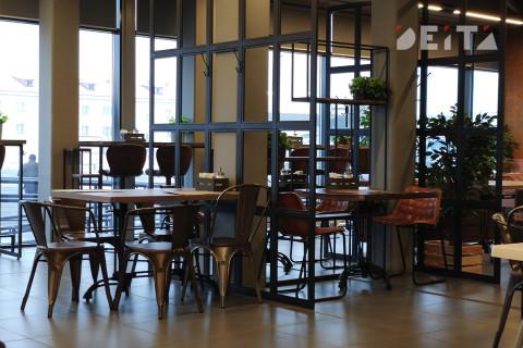 Посещаемость ресторанов в Москве упала на 95%